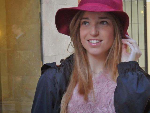 sombrero de ala burgundy